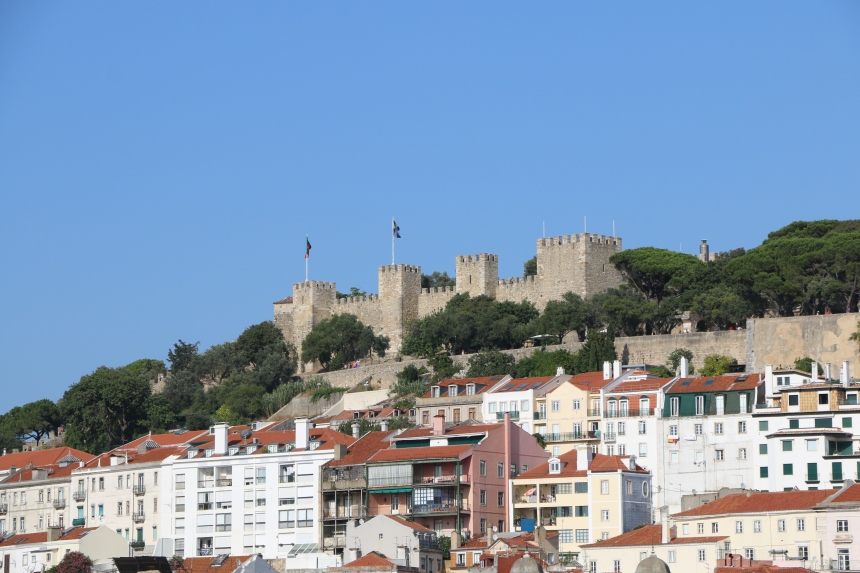 Stunning view of Lisbon's castle